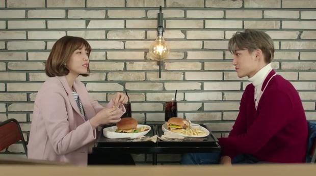 """""""7 First Kisses"""": Kai (EXO) gây sốc khi công khai hẹn hò và khóa môi cô giáo - Ảnh 12."""