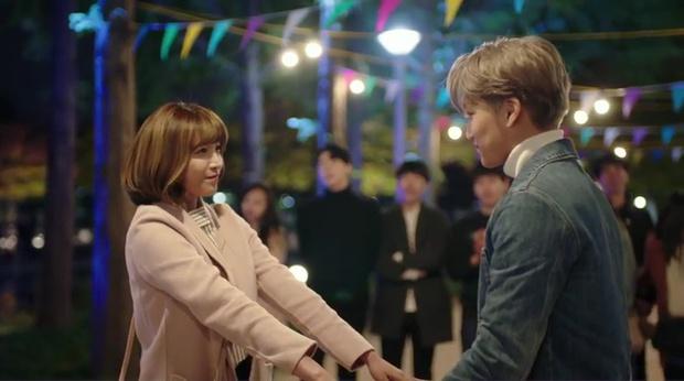 """""""7 First Kisses"""": Kai (EXO) gây sốc khi công khai hẹn hò và khóa môi cô giáo - Ảnh 13."""