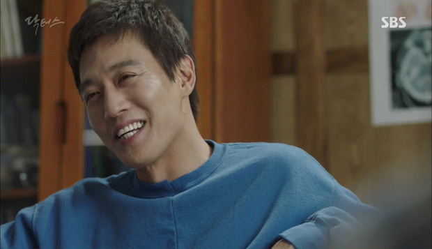 """""""Doctors"""": Lee Sung Kyung phát ghen với Park Shin Hye vì bạn được thầy khen - Ảnh 19."""