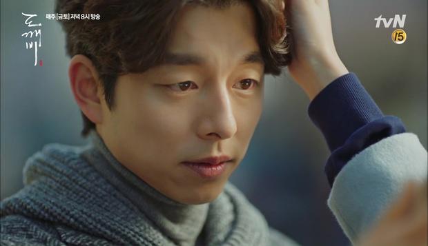 """""""Goblin"""": Không rút được thanh kiếm, Kim Go Eun đành hôn Gong Yoo - Ảnh 20."""