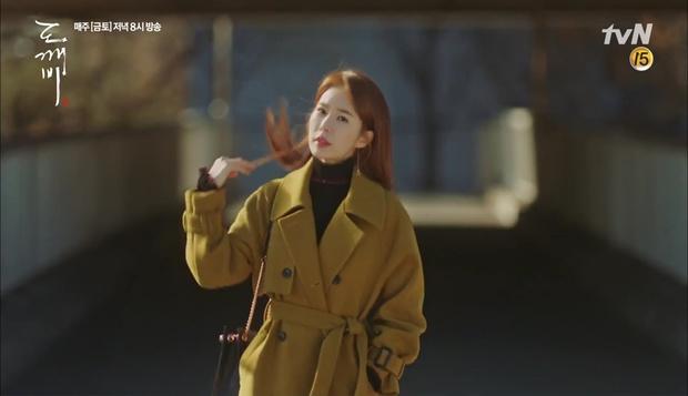 """""""Goblin"""": Không rút được thanh kiếm, Kim Go Eun đành hôn Gong Yoo - Ảnh 27."""