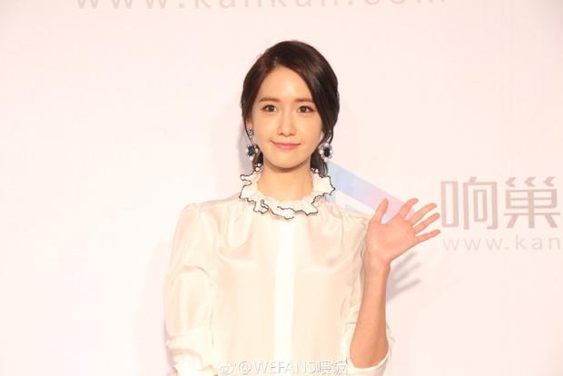 Yoona (SNSD) xinh đẹp rạng rỡ bên Đường Yên, Dương Mịch - Ảnh 1.