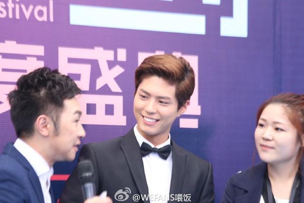 Dàn sao hot nhất Hoa - Hàn hội ngộ tại thảm xanh Chinese Top Music Awards - Ảnh 19.