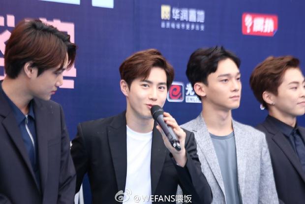Dàn sao hot nhất Hoa - Hàn hội ngộ tại thảm xanh Chinese Top Music Awards - Ảnh 9.