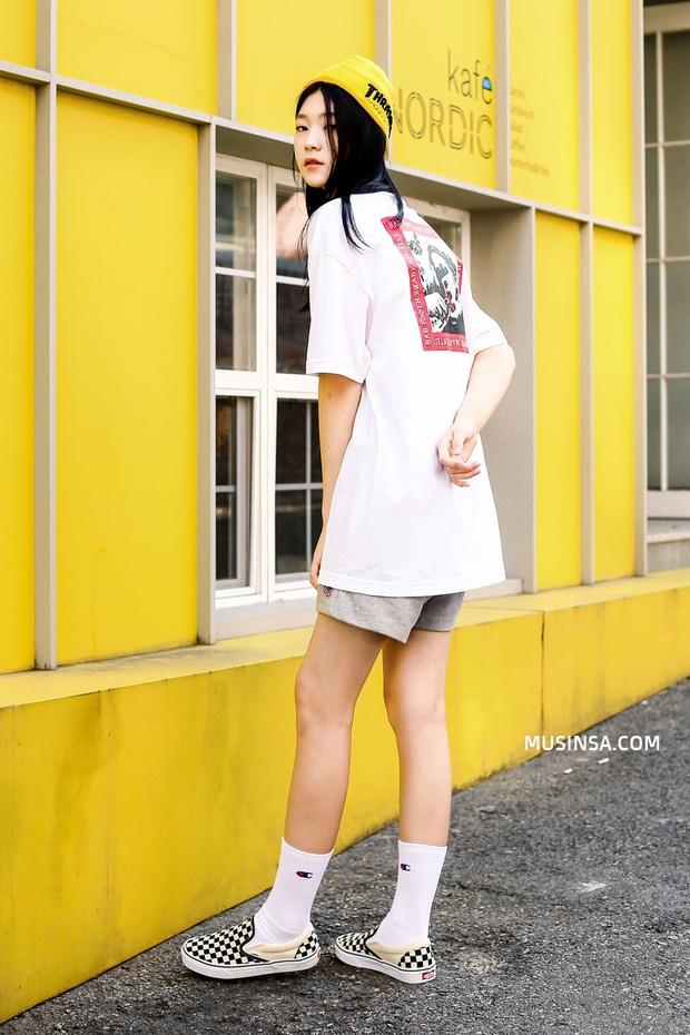 Ấn tượng với kỹ nghệ mặc đẹp mà chẳng cần phải cố của giới trẻ thế giới  - Ảnh 1.