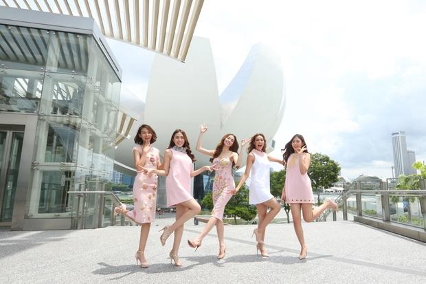 Hồ Ngọc Hà tái hiện phần thi The Face cho cả team tại Singapore - Ảnh 1.