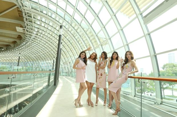 Hồ Ngọc Hà tái hiện phần thi The Face cho cả team tại Singapore - Ảnh 3.