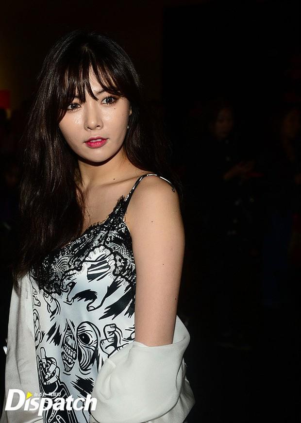 HyunA diện đồ trễ nải, người đẹp dao kéo Hong Soo Ah nổi bật tại Tuần lễ thời trang Seoul - Ảnh 3.