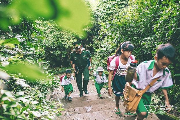 Đặng Thu Thảo xây sân chơi cho trẻ em nghèo trong lớp học 0 đồng nằm giữa biển - Ảnh 4.