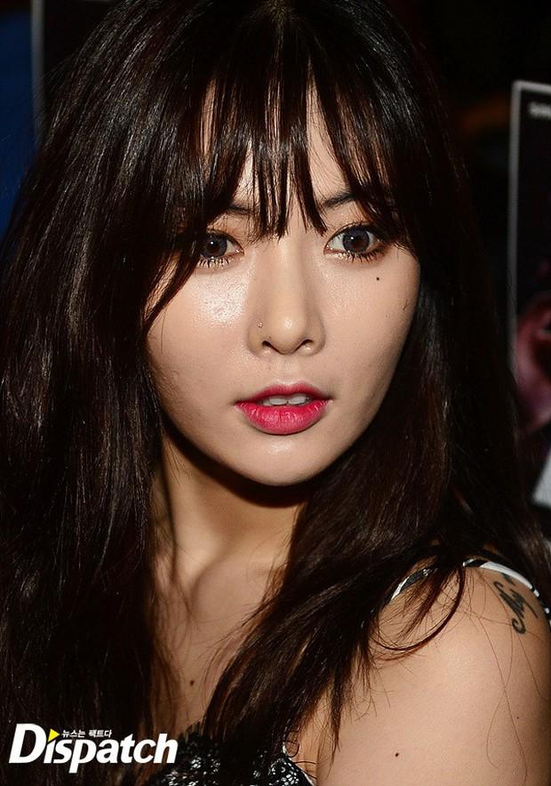 HyunA diện đồ trễ nải, người đẹp dao kéo Hong Soo Ah nổi bật tại Tuần lễ thời trang Seoul - Ảnh 4.