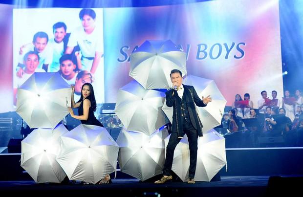 Khán giả xúc động khi trở lại thời Làn sóng xanh trong liveshow nhạc sĩ Việt Anh - Ảnh 9.