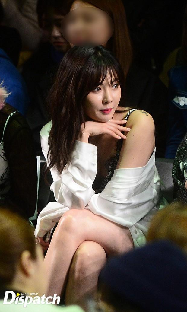 HyunA diện đồ trễ nải, người đẹp dao kéo Hong Soo Ah nổi bật tại Tuần lễ thời trang Seoul - Ảnh 5.