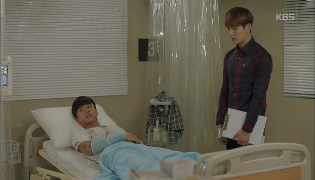 """""""Hậu Duệ Mặt Trời"""": Cặp đôi sóng gió Jin Goo - Kim Ji Won cuối cùng cũng được đoàn tụ! - Ảnh 8."""