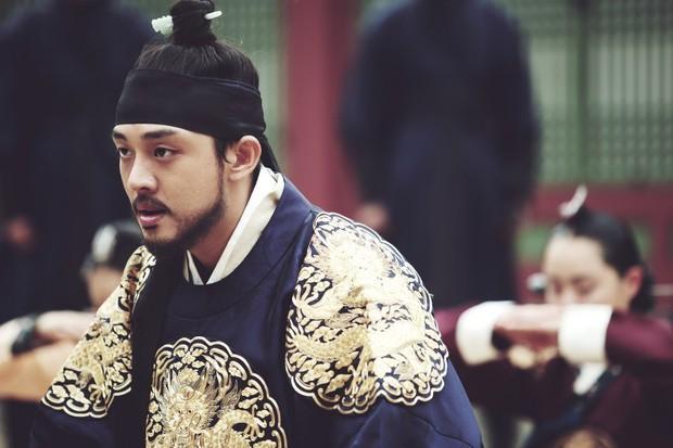 Yoo Ah In được bình chọn là bản sao xứ Hàn của huyền thoại Trương Quốc Vinh - Ảnh 6.