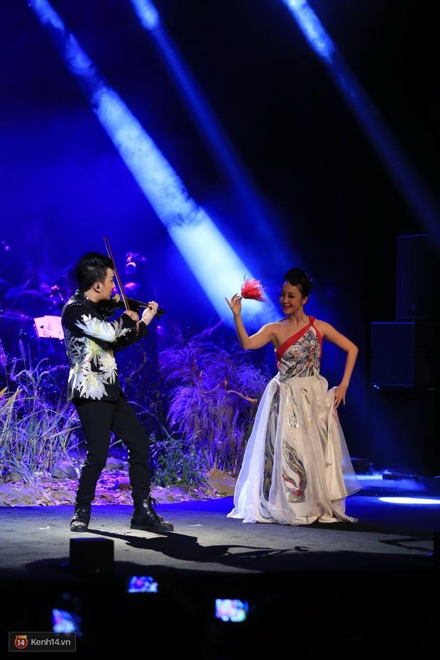 Thu Phương và Kiều Anh không giáp mặt dù cùng là khách mời trong liveshow của Hoàng Rob - Ảnh 10.
