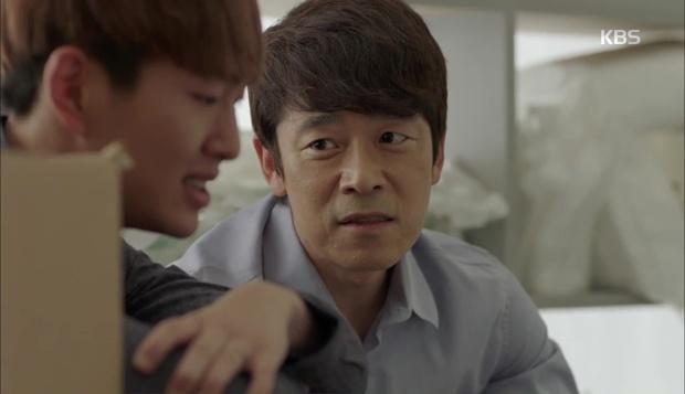 """""""Hậu Duệ Mặt Trời"""": Cặp đôi sóng gió Jin Goo - Kim Ji Won cuối cùng cũng được đoàn tụ! - Ảnh 9."""