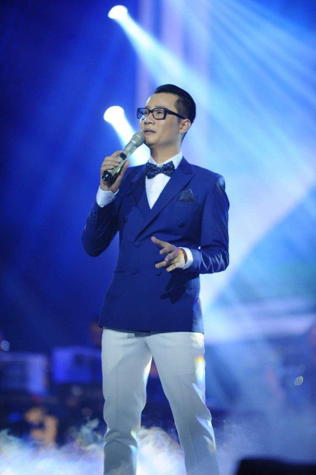 Khán giả xúc động khi trở lại thời Làn sóng xanh trong liveshow nhạc sĩ Việt Anh - Ảnh 12.