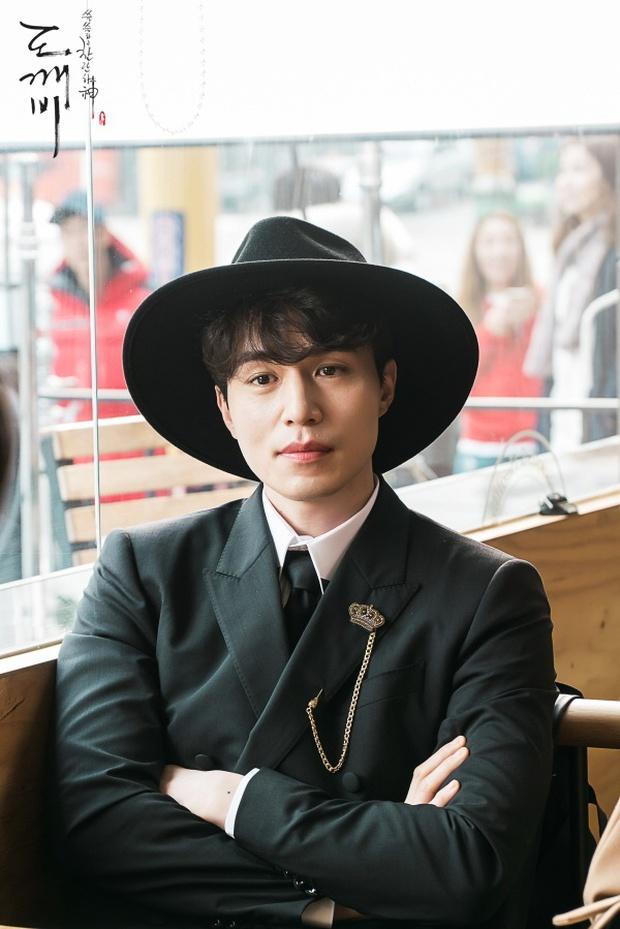 Cặp soái ca Gong Yoo - Lee Dong Wook của Goblin mặc đẹp như thế này hèn chi fan cứ dán mắt xem - Ảnh 8.