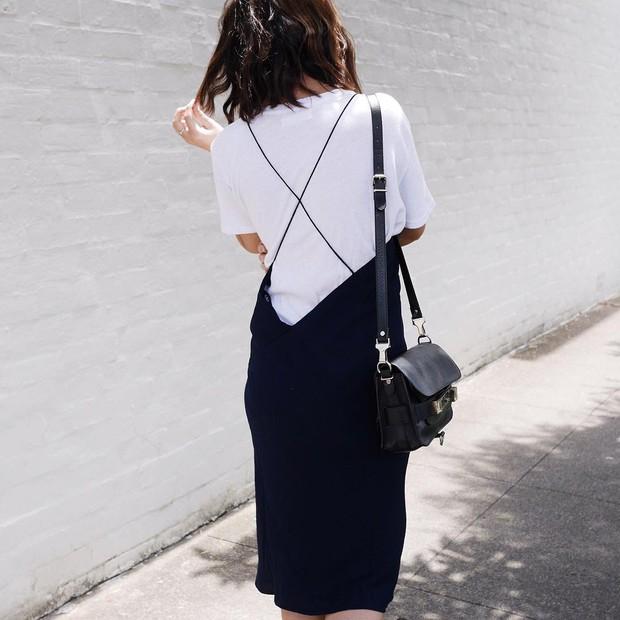 12 công thức diện áo phông trắng cool nhất bạn có thể thử ngay hôm nay - Ảnh 8.