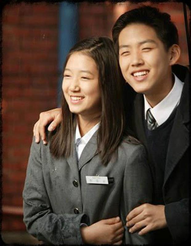 """Có một người sau 13 năm đã tái ngộ Park Shin Hye trong """"Doctors"""" - Ảnh 8."""