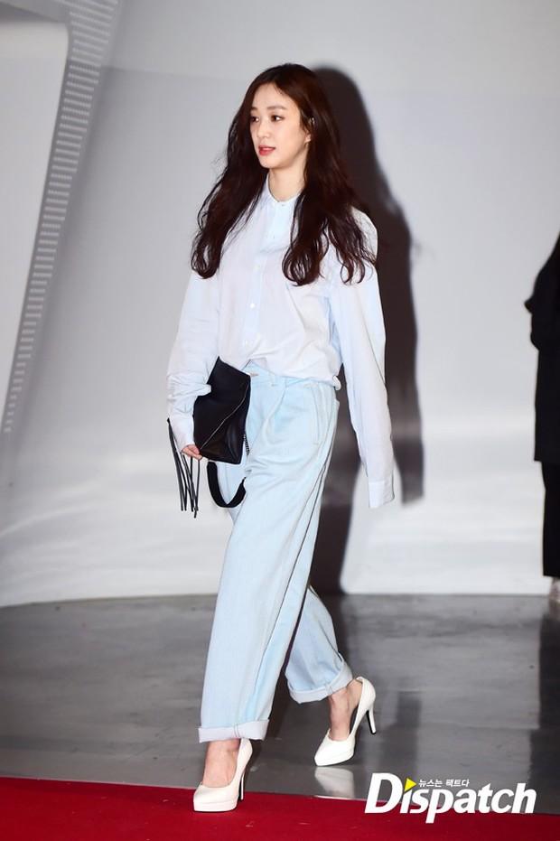 HyunA diện đồ trễ nải, người đẹp dao kéo Hong Soo Ah nổi bật tại Tuần lễ thời trang Seoul - Ảnh 13.