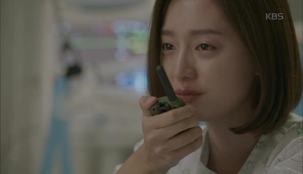 Hậu Duệ Mặt Trời: Song Hye Kyo tự nhận mình thuộc nhóm máu... mỹ nhân! - Ảnh 16.