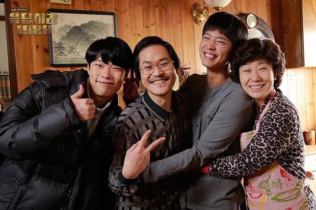 Không cần đợi ngày 8/3, hãy ôm Mẹ cùng xem 7 bộ phim Hàn tuyệt hay này! - Ảnh 2.