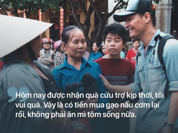 Người dân rốn lũ nói về Phan Anh: Cái chú MC trẻ trẻ phát quà xong còn động viên thôi bà ráng lên nữa - Ảnh 3.
