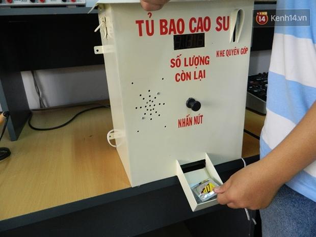 Sinh viên Đà Nẵng sáng chế máy phát bao cao su miễn phí cho người dân - Ảnh 4.