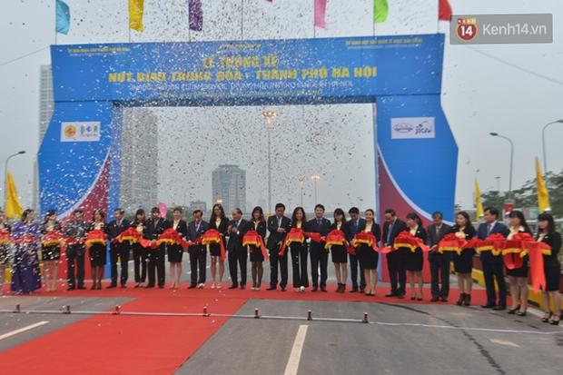 Chính thức thông xe hai hầm chui lớn nhất Hà Nội - Ảnh 1.
