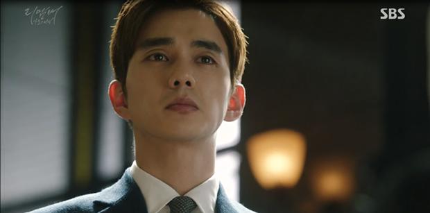 """""""Remember"""": Yoo Seung Ho nghẹn lời khi đã giải oan cho cha thành công - Ảnh 1."""