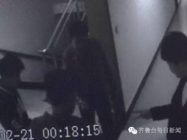 4 thiếu niên gây phẫn nộ khi chơi oẳn tù tì thay phiên nhau hiếp dâm một cô gái - Ảnh 2.