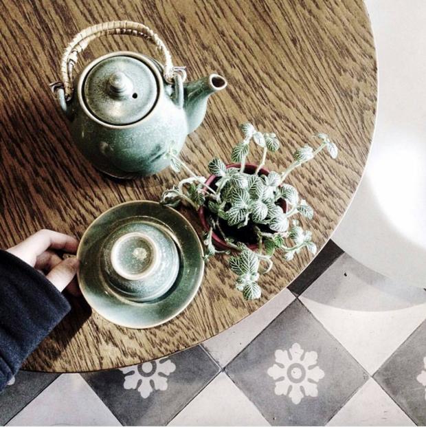 Hà Nội: Muốn chụp ảnh nền gạch hoa vintage? Cứ đến những quán cafe này - Ảnh 10.