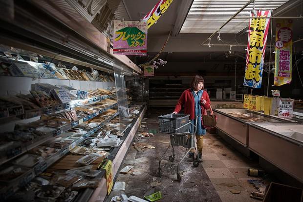 Nhật Bản: Người dân Fukushima trở lại thành phố ma trong loạt hình đầy ám ảnh - Ảnh 1.