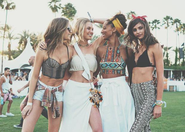 Mê mẩn ngắm style lễ hội sexy khó cưỡng tại Coachella 2016 - Ảnh 1.