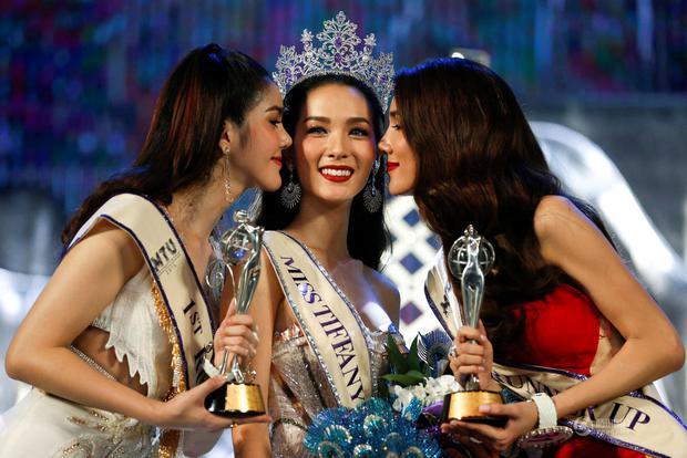 Chùm ảnh: Hậu trường cuộc thi Hoa hậu chuyển giới được quan tâm nhất Thái Lan - Ảnh 1.