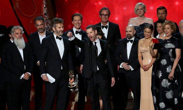 Emmy 2016: Game of Thrones làm nên lịch sử - Ảnh 1.
