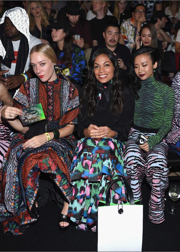 Show H&M x Kenzo tại New York: Suboi diện thiết kế mới nhất, ngồi hàng ghế đầu cùng loạt sao đình đám - Ảnh 2.