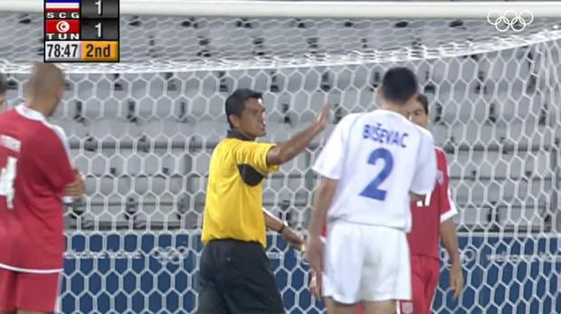 Cú sút penalty lâu la bậc nhất lịch sử bóng đá thế giới - Ảnh 3.