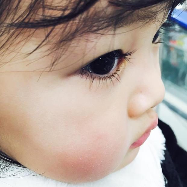 Cô nhóc Hàn Quốc đáng yêu tới nỗi xem ảnh mà chỉ muốn lao ngay vào... cắn má - Ảnh 9.
