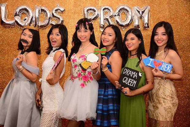 Teen THPT Lê Quý Đôn (TP.HCM) quẩy cực sung trong prom độc lập đầu tiên của trường - Ảnh 1.
