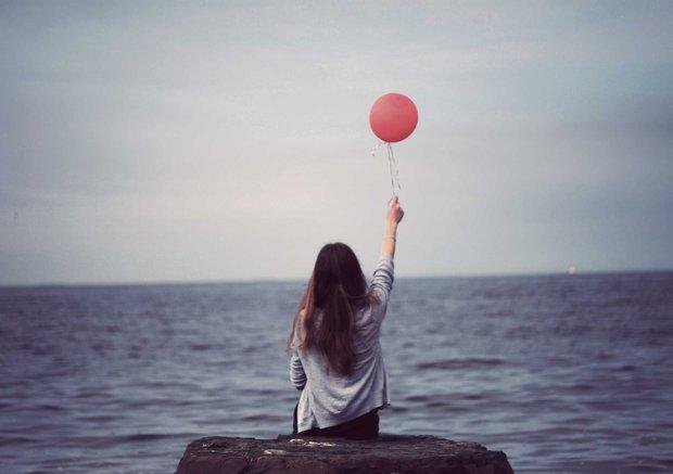 Một khi em đã quyết tâm buông bỏ, chỉ xin anh đừng quay lại mỉm cười… - Ảnh 1.