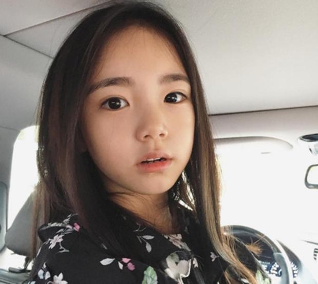 Chân dung cô bé Hàn Quốc xinh đẹp đến mức có thể khiến trái tim bạn tan chảy - Ảnh 2.