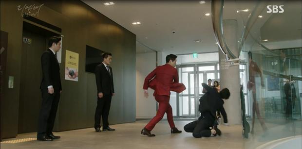 """""""Remember"""": Yoo Seung Ho nghẹn lời khi đã giải oan cho cha thành công - Ảnh 12."""