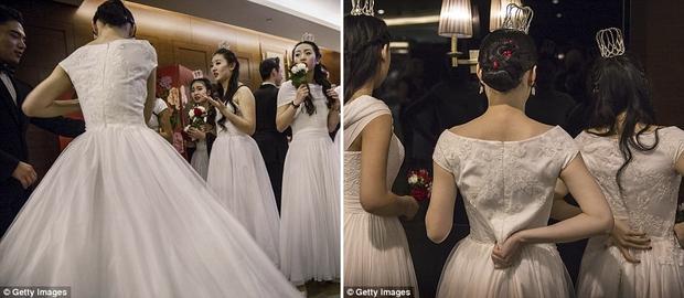 Buổi lễ mai mối tập thể hoành tráng của giới quý tộc Trung Quốc  - Ảnh 10.