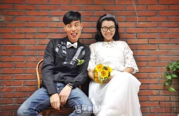 Cặp đôi trẻ cùng xin nghỉ việc để có thời gian đi chụp ảnh cưới vòng quanh Trung Quốc - Ảnh 1.