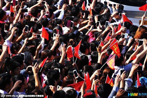 Hàng chục ngàn phụ huynh Trung Quốc tiễn con lên đường đi thi Đại học - Ảnh 11.