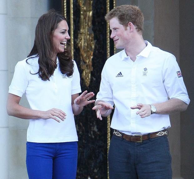 Tình cảm thân thiết đáng kinh ngạc giữa Công nương Kate và Hoàng tử Harry - Ảnh 9.