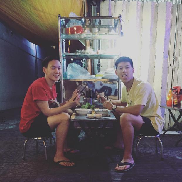 2 anh em sinh đôi lai Việt - Thái đẹp trai, hát hay đang cực hot trên MXH - Ảnh 8.