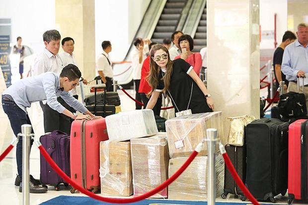 Thanh Thảo mang 200kg hành lý ra Hà Nội để phục vụ cho liveshow - Ảnh 10.